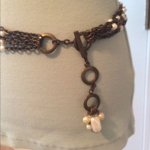Adjustable chain link belt with pearl accents